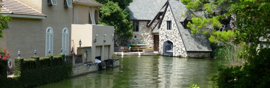 Living On A Lake : Living on Lake Austin  Lake Austin Waterfront Lots Lifestyle